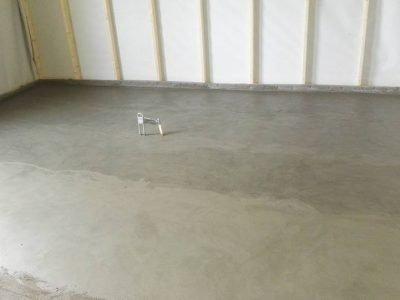Egaliseren van cementdekvloer